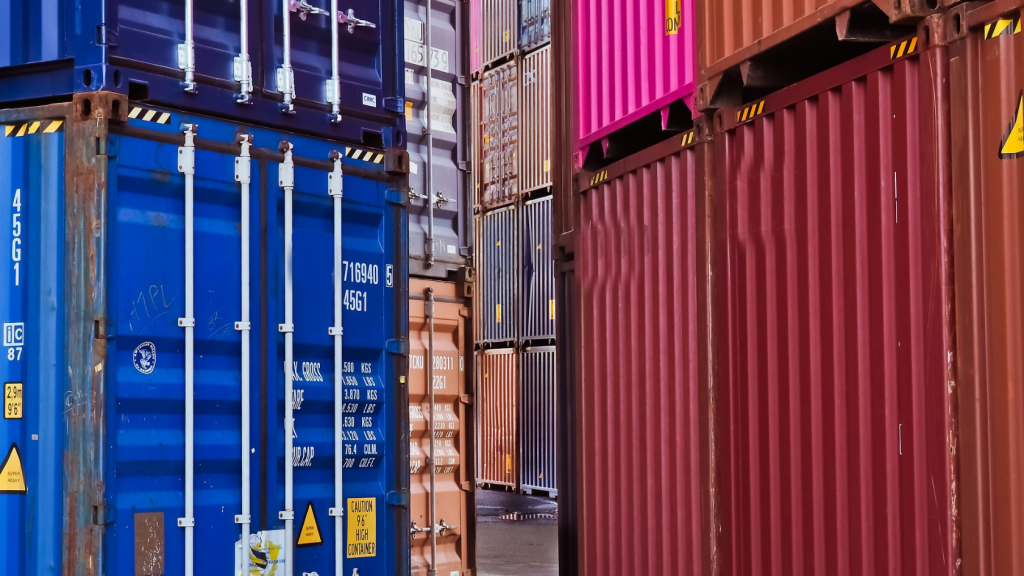 renting vs buying a storage container, which is better?