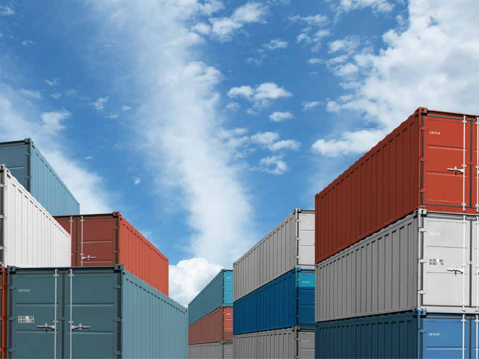How to stack shipping containers